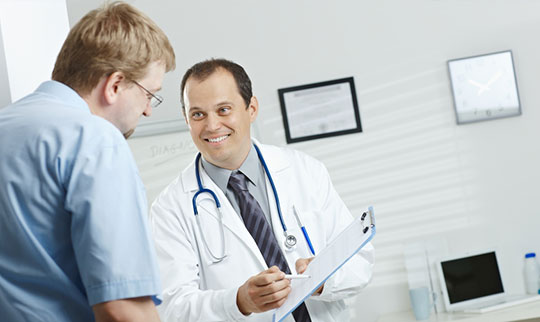 Doctor-Discussing-Good-Results-of-Bladder-Instillations