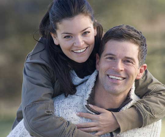 Happy-Couple-After-Successful-Vasectomy-Procedure