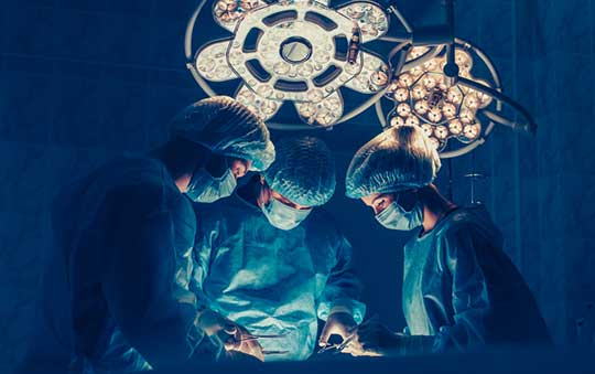 Surgeons-Performing-Ureteral-Re-Implant